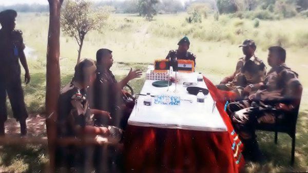 দৌলতপুরে সিমান্তে বিজিবি ও বিএসএফ এর পতাকা বৈঠক অনুষ্ঠিত