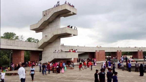 ঈদ বিনোদনে ঐতিহাসিক মুজিবনগরে হাজারো মানুষের ঢল