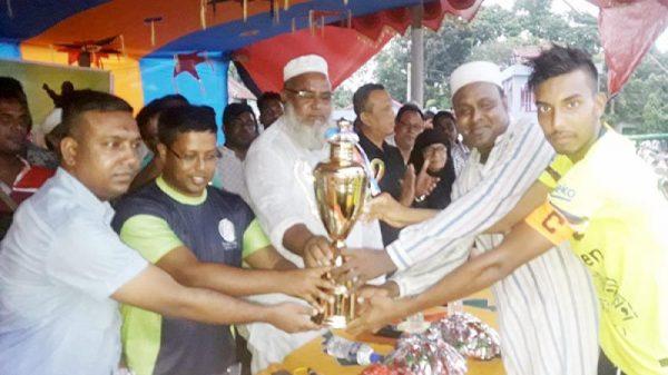 ভেড়ামারায় শেখ মুজিবুর রহমান গোল্ডকাপ ফুটবল টুর্নামেন্ট এর ফাইনাল খেলা