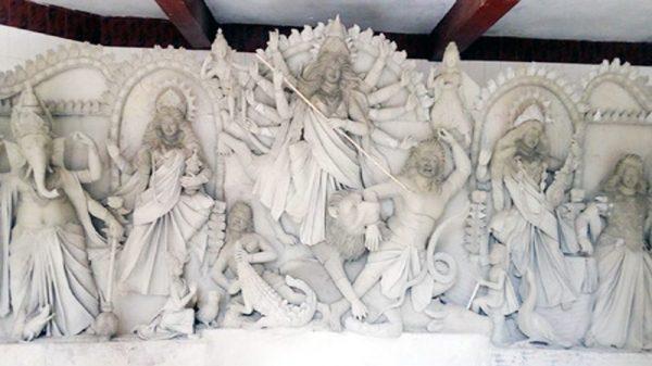 শারদীয় দূর্গাপুজার ব্যাপক প্রস্তুতি,পূজারী ও ভক্তবৃন্দের মাঝে উৎসবের আমেজ!