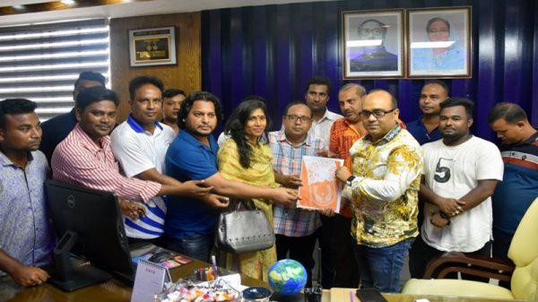 পুলিশ সুপার এস এম তানভীর আরাফাত'র সাথে কেপিসি'র মতবিনিময় ও স্মরণিকা প্রদান