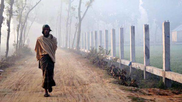 দেশের সর্বনিম্ন তাপমাত্রা গাংনীতে শীতবস্ত্রের জন্য হাহাকার