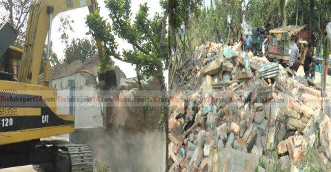 কুষ্টিয়ায়  পানি উন্নয়ন বোর্ডের উচ্ছেদ অভিযান