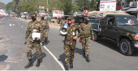 সর্বচ্চ সতর্কতায় ঝিনাইদহে সেনাবাহিনীর টহল অব্যাহত