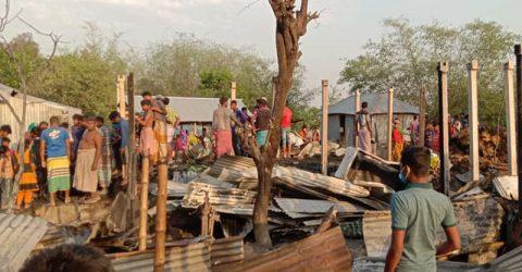 দৌলতপুরে অগ্নীকান্ডে ১১ টি ঘর ভষ্মীভূত